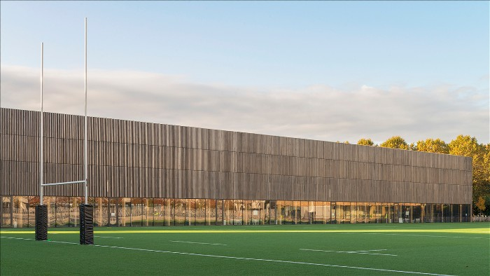 Sportanlage Le Gallo in Boulogne: eine Architektur in Thermoholz mit Charakter!